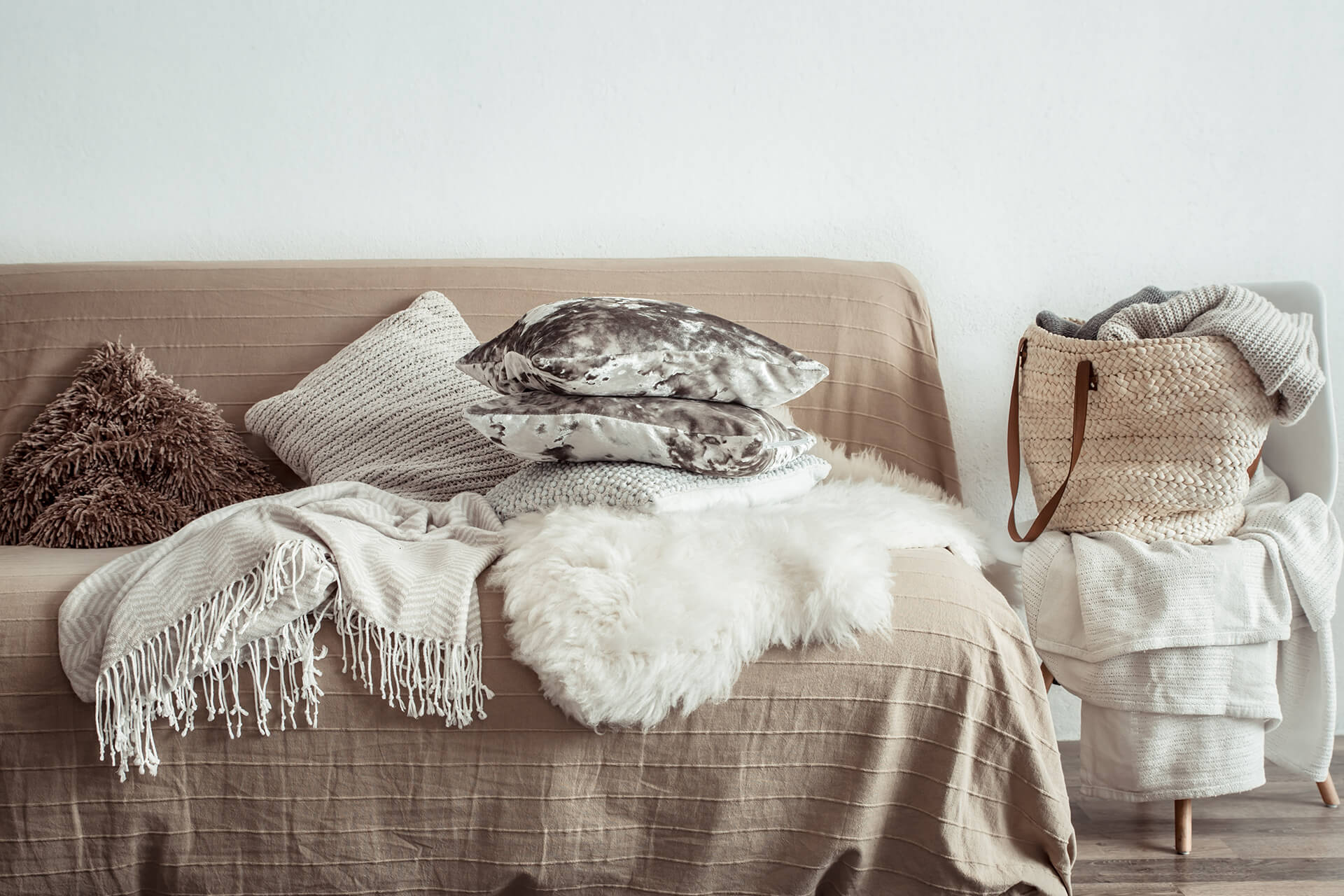 Λευκά Είδη για το σαλόνι